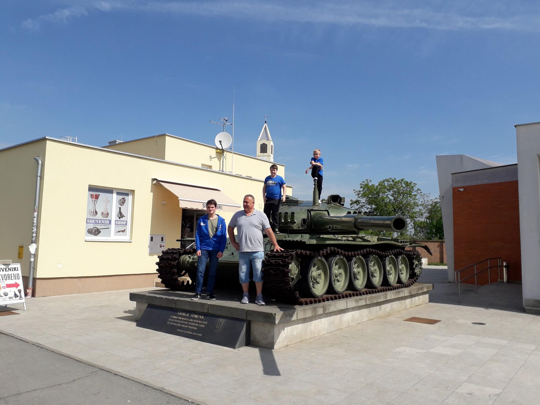 Vukovar_csapat_tank_2019-05-04